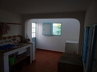 une petite cuisine trop mignone. Black Bedroom Furniture Sets. Home Design Ideas